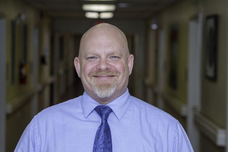 Adam Revia: Administrator
